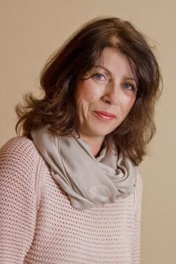 Frau Carola Stoof
