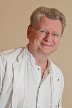 Privatdozent Dr. med. Wolfgang Schafhauser